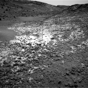This image was taken by Navcam: Right B onboard the robot on Sol 924, March 13th.  Image Credit: NASA/JPL-Caltech