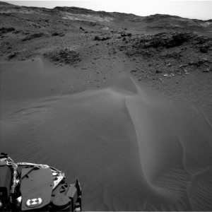 This image was taken by Navcam: Left B onboard NASA's Mars rover Curiosity on Sol 957 (2015-04-16) Image Credit: NASA/JPL-Caltech