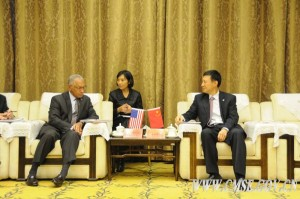 On November 14, 2014, Wang Zhaoyao, Director of the China Manned Space Agency, held a conversation with the delegation of NASA chief Charles Bolden.  Credit: CMSE