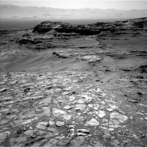 Outcrop of interest as seen through Curiosity's Navcam Left B camera on Sol 1107, taken September 17, 2015.    Credit: NASA/JPL-Caltech