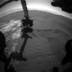 Curiosity Front Hazcam Right B image taken on Sol 1227, January 18, 2016. Credit: NASA/JPL-Caltech