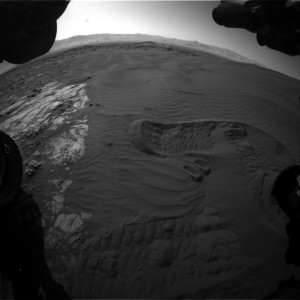 New image from Curiosity's Front Hazcam Right B camera, taken on Sol 1230, January 22, 2016. Credit: NASA/JPL-Caltech