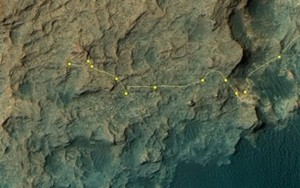 Curiosity's Traverse Map Through Sol 1292. This map shows the route driven by NASA's Mars rover Curiosity through the 1292 Martian day, or sol, of the rover's mission on Mars (March 25, 2016). Numbering of the dots along the line indicate the sol number of each drive. North is up. The scale bar is 1 kilometer (roughly 0.62 mile). From Sol 1290 to Sol 1292, Curiosity had driven a straight line distance of about 16.61 feet (5.06 meters). The base image from the map is from the High Resolution Imaging Science Experiment Camera (HiRISE) in NASA's Mars Reconnaissance Orbiter. Credit: NASA/JPL-Caltech/Univ. of Arizona