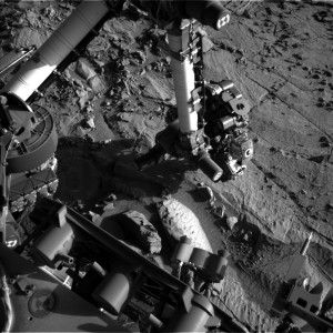 Curiosity Navcam Left B image taken on Sol 1300, April 3, 2016. Credit: NASA/JPL-Caltech