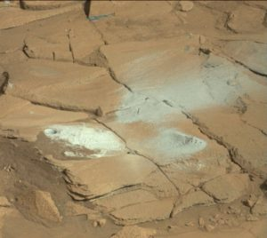 Curiosity Mastcam Right image taken on Sol 1338, May 11, 2016. Credit: NASA/JPL-Caltech/MSSS