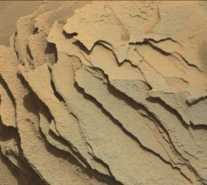 Curiosity Mastcam Right image taken on Sol 1346, May 20, 2016. Credit: NASA/JPL-Caltech/MSSS