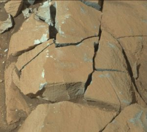 Curiosity Mastcam Right image taken on Sol 1333, May 6, 2016. Credit: NASA/JPL-Caltech/MSSS