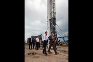 Private sector boosterism is on display as SpaceX CEO, Elon Musk discusses space matters with President Barack Obama at the Kennedy Space Center in Cape Canaveral, Florida. Courtesy: White House