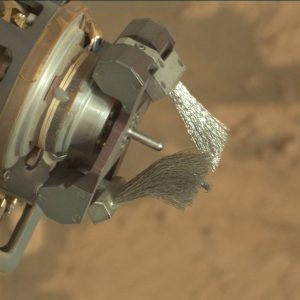 Brush inspection image taken by Curiosity's Mastcam Right camera on Sol 1444, August 28, 2016. Credit: NASA/JPL-Caltech/MSSS