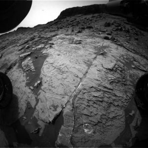 Curiosity Front Hazcam Right B image taken on Sol 1465, September 19, 2016. Credit: NASA/JPL-Caltech