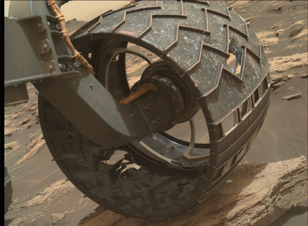 Curiosity Mars Rover Eyes Bedrock Blocks