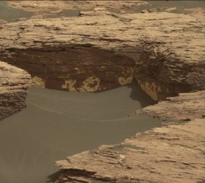 Curiosity Mastcam Right image taken on Sol 1521, November 15, 2016.