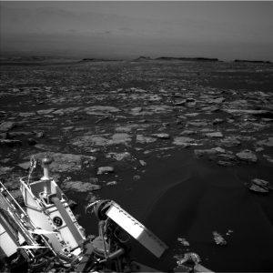 Curiosity Navcam Left B image taken on Sol 1526 November 21, 2016. Credit: NASA/JPL-Caltech