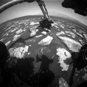 Curiosity Front Hazcam Right B image taken on Sol 1536, December 1, 2016. Credit: NASA/JPL-Caltech